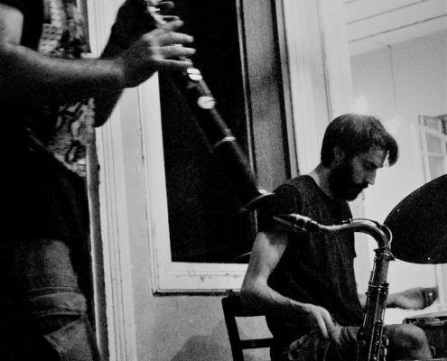 DOUET <  > DRUMS AND SAX